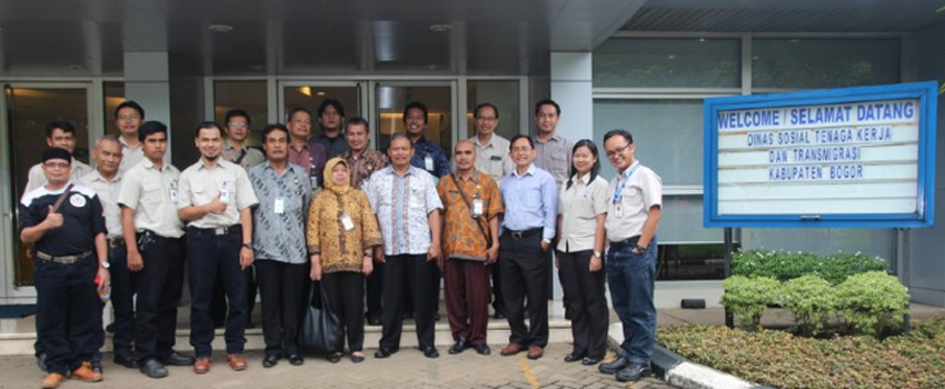 """Best Employee Award Goes to Indonesia for its """"Safety Experience Center"""" Project!"""